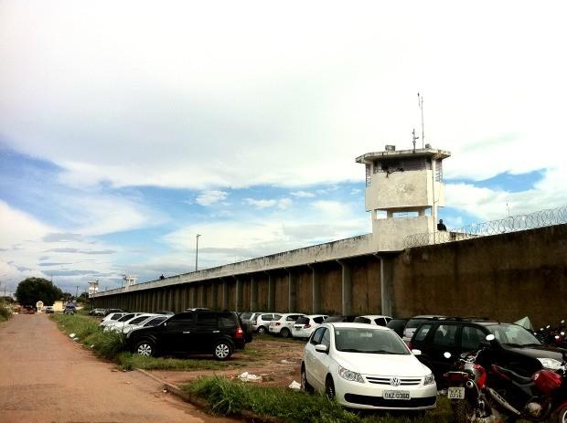 Agentes prisionais fugiram após serrar grades de cela na Penitenciária Central (Foto: Tita Mara/G1)