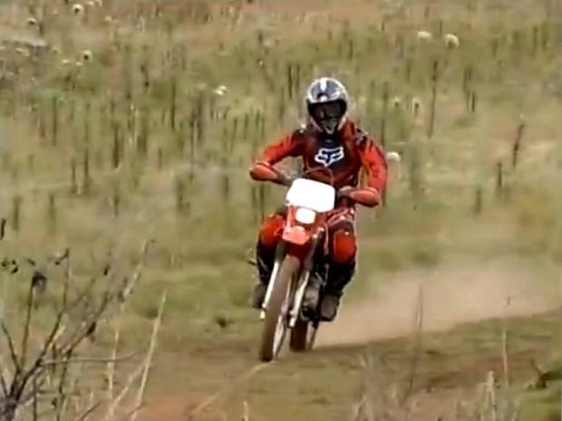 """Cerca de 150 participantes, entre motociclistas, ciclistas e motoristas de """"gaiolas"""", participaram do evento. (Foto: Reprodução/Inter TV)"""