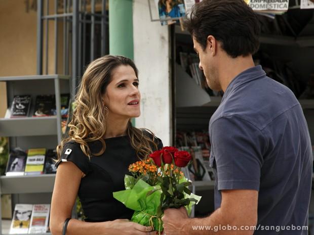 Tina aceita se casar com Lucindo!! (Foto: Sangue Bom / TV Globo)
