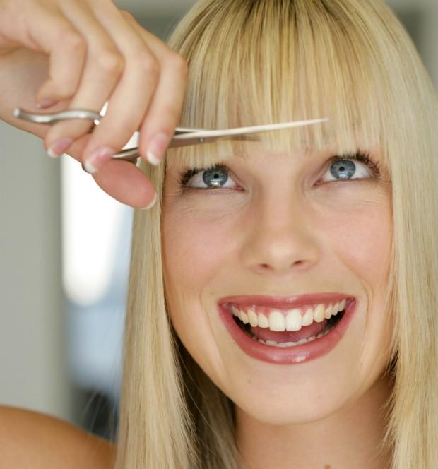 Só para corajosas: aprenda 6 dicas para cortar a franja em casa
