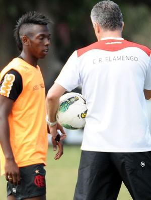 Fernandinho-Treino do Flamengo (Foto: Alexandre Vidal / Fla Imagem)