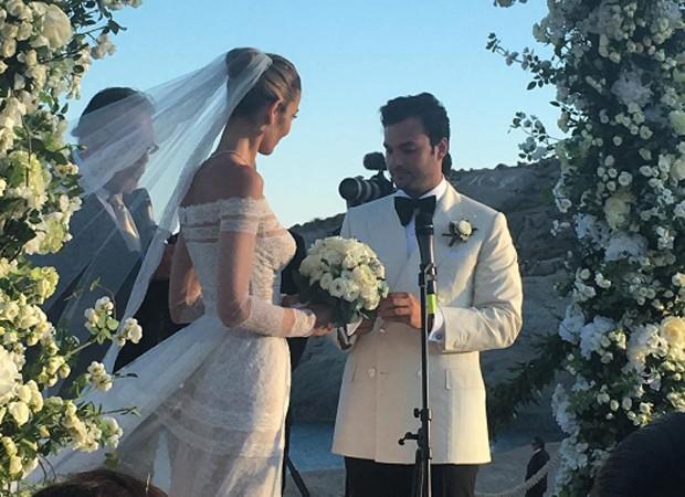 Ana Beatriz e Karim trocam votos de amor (Foto: Reprodução/Instagram)