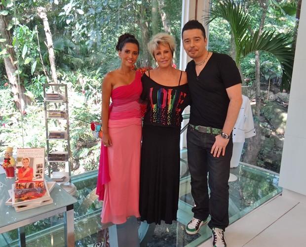 Ana Maria adora o novo modelito do vestido de Jenise (Foto: Mais Você / TV Globo)