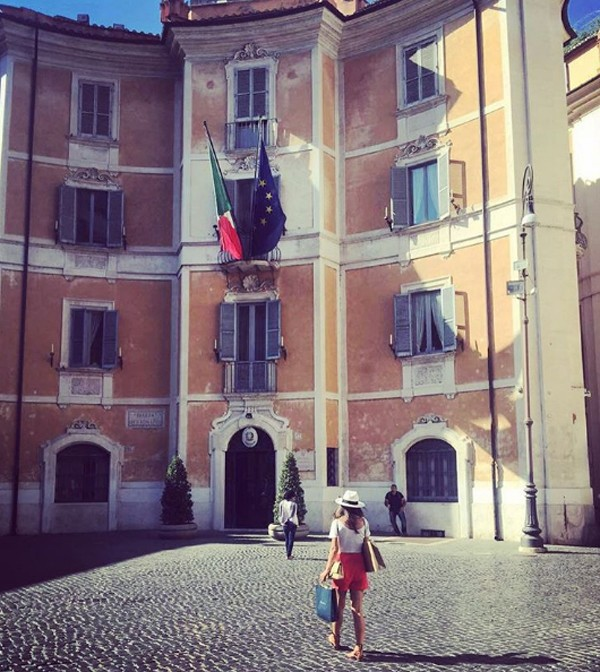 Sthefany Brito em Roma (Foto: Reprodução / Instagram)