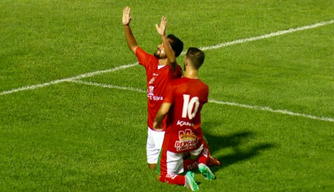 Tchô comemora gol do Boa Esporte (Foto: Reprodução EPTV)