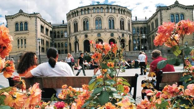Parlamento de Oslo, na Noruega (Foto: Divulgação)