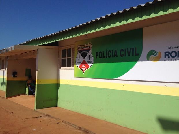 A Delegacia de Guajará-Mirim está investigando o caso e delegado alerta para a população para ter cuidado com promessas de prêmios feitas através de celulares. (Foto: Júnior Freitas/G1)