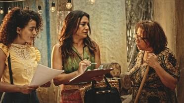 Beatriz recolhe assinaturas para abaixo-assinado