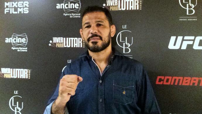 Rodrigo Minotauro, lançamento Viver Para Lutar, Combate (Foto: Jamille Bullé)