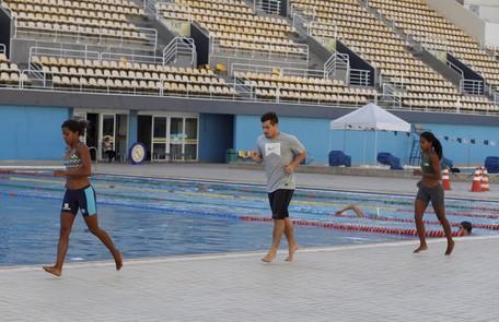 Ele conta ainda com um personal trainer e uma nutricionista para ficar com o corpo semelhante ao de um atleta Gustavo Stephan