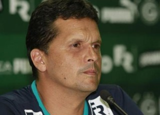 Claudinei Oliveira, técnico do Goiás (Foto: Rosiron Rodrigues/Goiás E.C.)