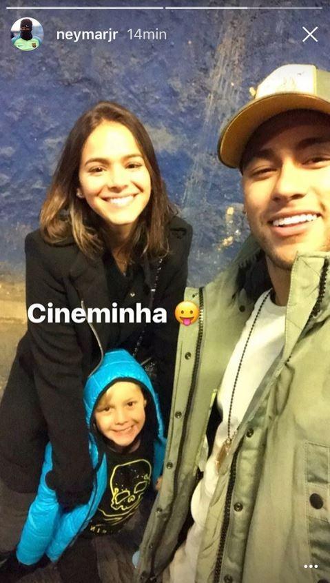 Neymar, Bruna Marquezine e o filho dele, David (Foto: reprodução/Instagram)
