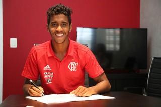 Gabriel está no Flamengo desde 2013 (Foto: Divulgação Flamengo.com.br)