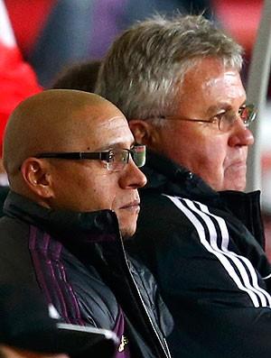 Roberto Carlos Guus Hiddink banco Anzhi jogo (Foto: Reuters)