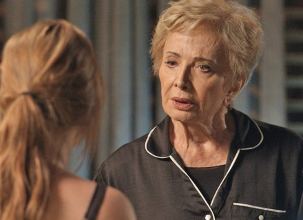 Stelinha dá recado a Eliza antes da final: 'Se perder, suma. Se vencer, suma também!'