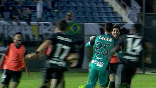"""Análise: eficiente atrás, mas inofensivo na frente, Bota tem """"lição Libertadores"""""""