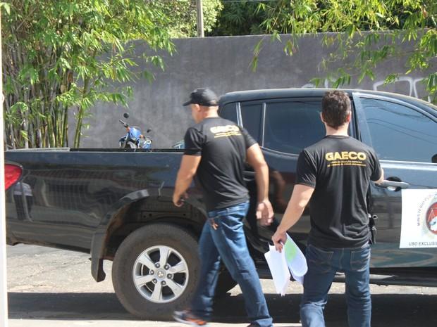 Juiz foi levado para a sede da Grupo de Atuação Especial de Repressão ao Crime Organizado em Teresina (Foto: Fernando Brito/G1)
