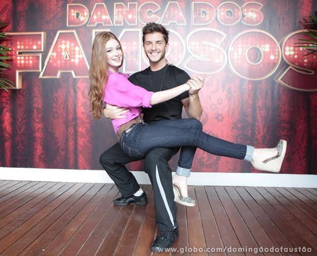 Marina se empolga e pede para Klebber fazer pose de dança! (Foto: Domingão do Faustão/TV Globo)