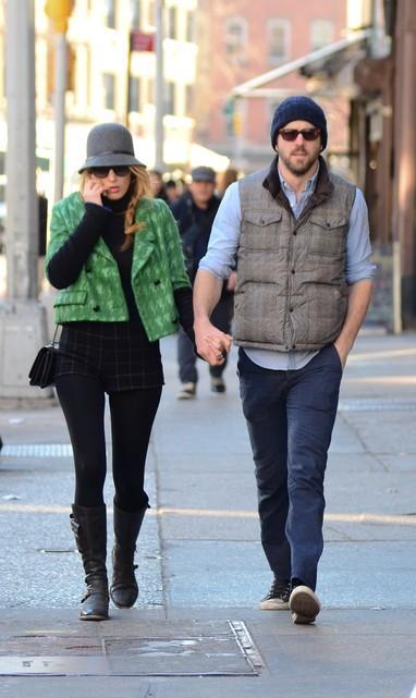 Blake Lively e o marido, o ator Ryan Reynolds, em Nova York, nos Estados Unidos (Foto: Grosby Group/ Agência)