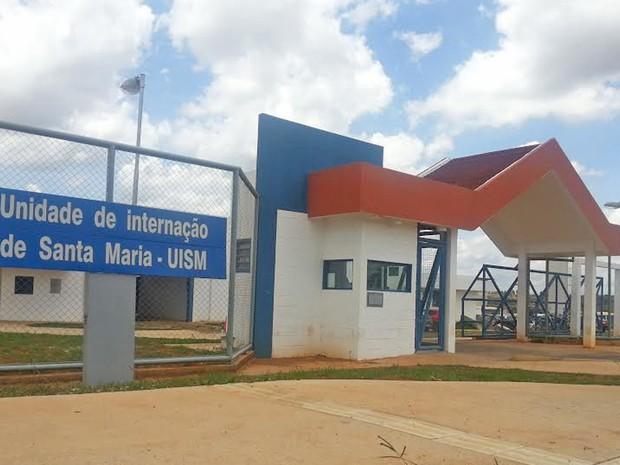 Entrada da Unidade de Internação de Santa Maria, uma das quatro existentes no DF (Foto: Raquel Morais/G1)