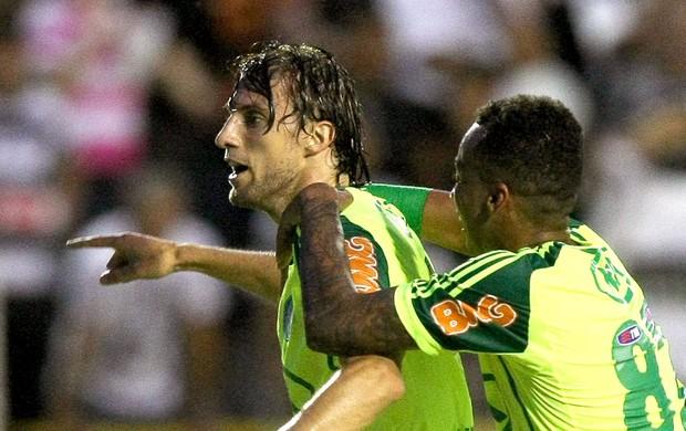 Henrique do Palmeiras na partida contra o XV (Foto: Ag. Estado)