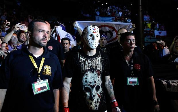 MMA rony jason com  a máscara (Foto: Agência Getty Images)
