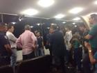 Manifestantes ocupam Câmara de Jundiaí em protesto contra o governo