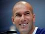 """Zidane comenta indicação e esquenta clássico com modéstia: """"Está em 50%"""""""