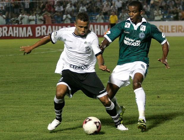 Rogerinho e Thiago Mendes, Ceará x Goias (Foto: LC Moreira / Futura Press)