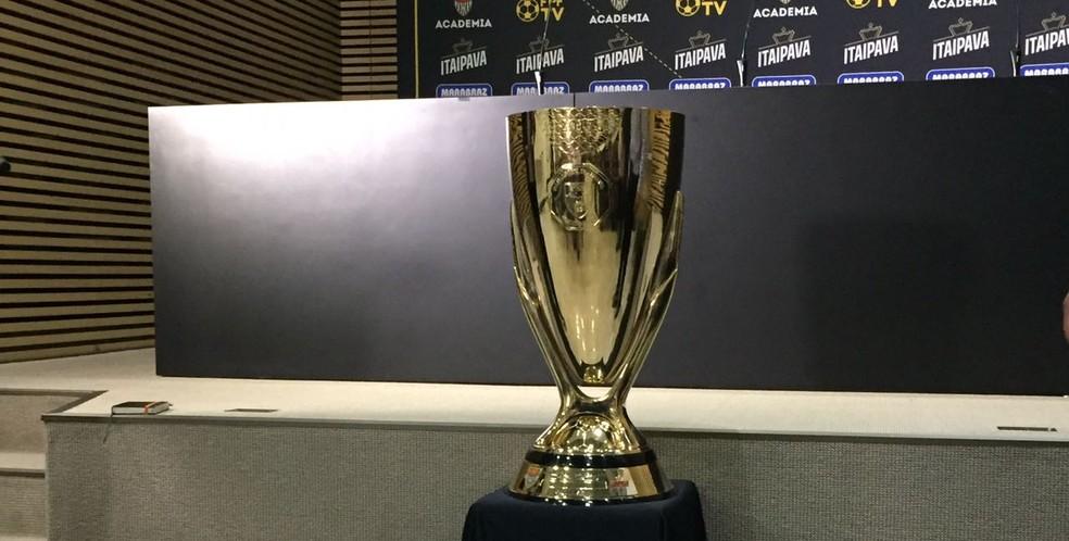 Taça de campeão do Campeonato Paulista (Foto: Carlos Augusto Ferrari)