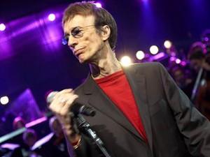 O cantor Robin Gibb (Foto: Divulgação)