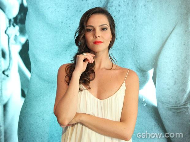 Batom vermelhor é um dos itens da nécessaire de Marina. Confira! (Foto: Carol Coimbra/ TVGlobo)