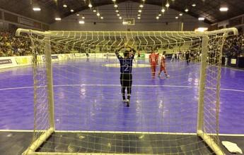 Umuarama anota gol polêmico na LNF com trave fora do lugar; assista