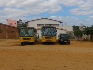 PMs prenderam motoristas de uma van e um ônibus escolar (Foto: Divulgação/Polícia Militar do RN)