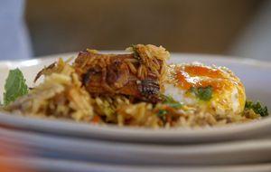Como aproveitar as sobras de carne? Jamie Oliver usa em receita de arroz frito