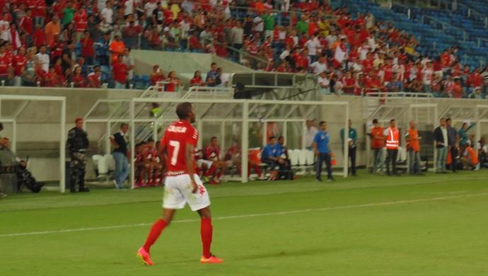 Fabinho foi dos destaques do América-RN contra o Atlético-PR na Arena das Dunas (Foto: Klênyo Galvão)