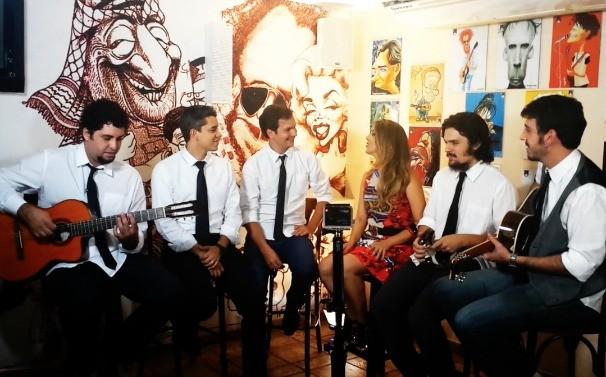 Maíra Lemos se juntou aos The Blackbirds para um bate-papo (Foto: TV Anhanguera)