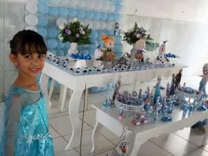 Festa de Bárbara foi com o tema do filme infantil 'Frozen' (Foto: Priscilla Sales/Arquivo Pessoal)