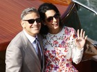 George Clooney passeia com a mulher em Veneza