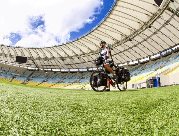 Andy Smith, ciclista no Maracanã