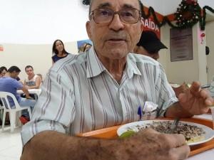 Benedicto de Sousa Prado vai ao Bom Prato de Campinas há 13 anos (Foto: Fernando Pacífico / G1)