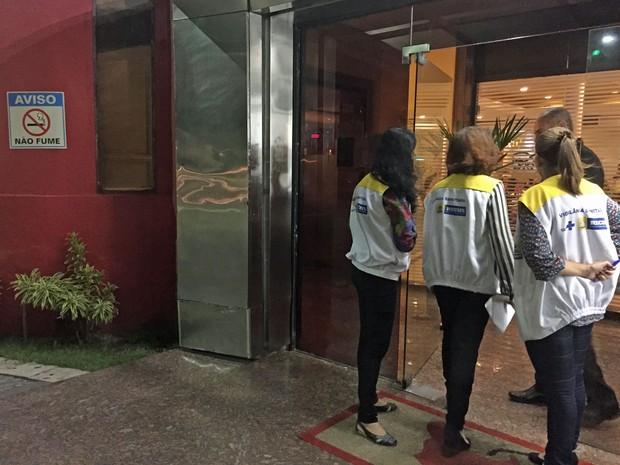 Técnicos fiscalizaram 67 estabelecimentos na capital (Foto: Secretaria de Saúde do Recife/Divulgação)