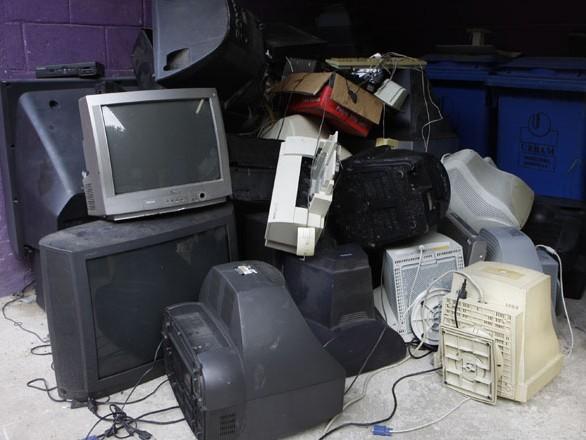 Lixo eletrônico é recolhido separadamente em São José dos Campos. (Foto: Charles de Moura / Prefeitura de São José dos Campos)