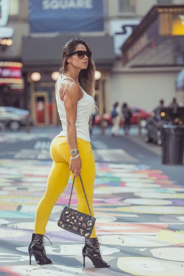 Mayra Cardi em Nova York (Foto: Eduardo Cavasotti/Divulgação)