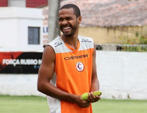 Osvaldir, lateral-direito do Campinense (Foto: Nelsina Vitorino / Jornal da Paraíba)