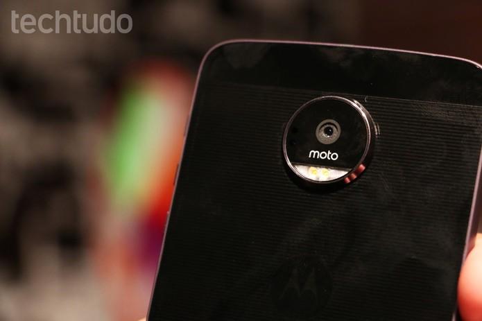 Moto Z tem câmera traseira de 13 MP que pode ser melhorada com Motos Snaps (Foto: Luciana Maline/TechTudo)