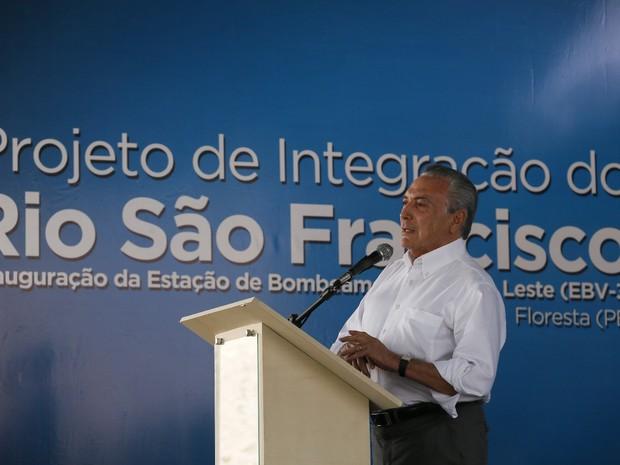 Presidente Michel Temer fez o anúncio na manhã desta segunda-feira (30), em Floresta, no Sertão de Pernambuco (Foto: Reprodução/Twitter/Michel Temer)