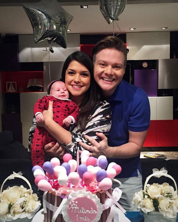 Michel Teló e Thaís Fersoza comemoram 1º mês de Melinda (Foto: Reprodução/Instagram)