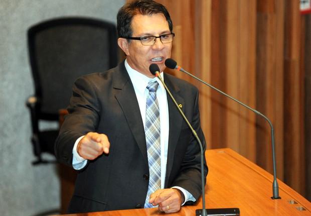 Roberta Rangel foi responsável por uma parecer jurídico que permitiu o pagamento de indenizações a funcionários da Câmara Legislativa de Brasília, então presidida pelo distrital Alírio Neto  (Foto: Divulgação)