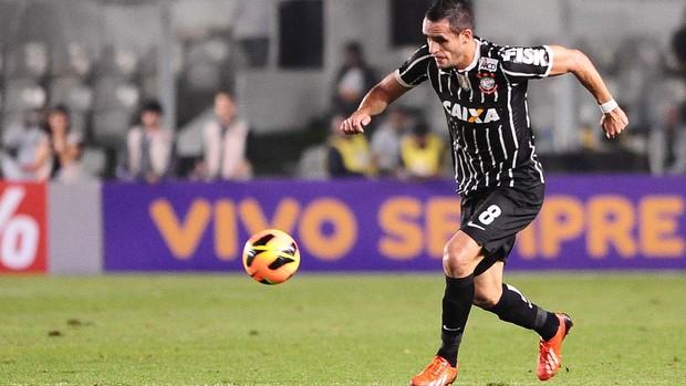 Renato Augusto, Santos x Corinthians (Foto: Marcos Ribolli)
